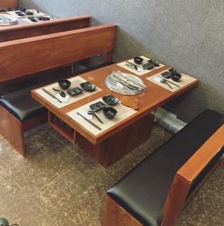 Bàn gỗ thông/keo/công nghiệp chân gỗ