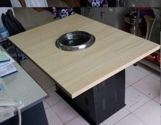 bàn gỗ công nghiệp chân sắt kiểu Hàn Quốc